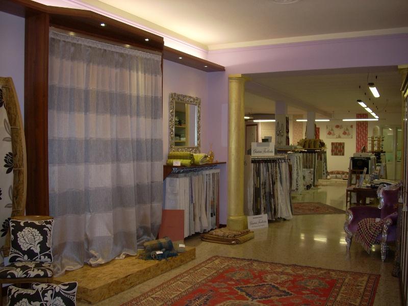 Confezionamento tende chiari brescia casa del - Casa del tendaggio ...