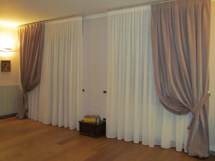 Tende e tendaggi casa del tendaggio morsia - Tende sala moderna ...
