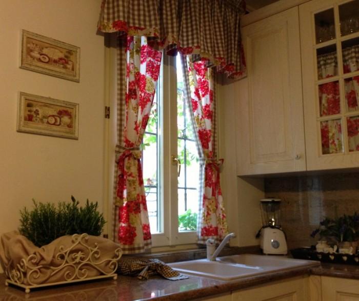 Tende e tendaggi casa del tendaggio morsia - Tendaggi per cucina moderna ...